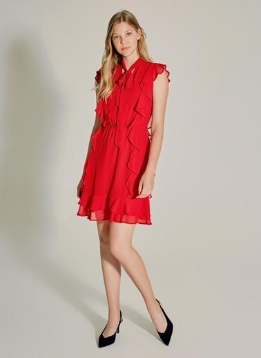 NGSTYLE Şifon Volanlı Bağlama Detaylı Elbise Kırmızı